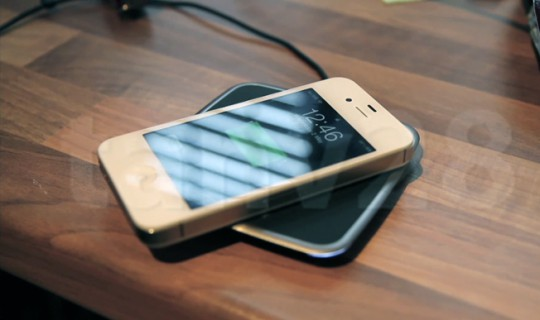 iPhone 4S wireless charging