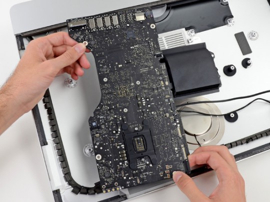 iMac 21.5 teardown