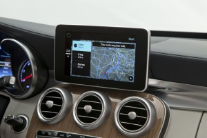 Mercedes-Benz-CarPlay