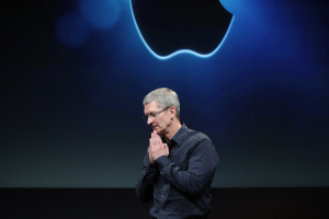 Tim_Cook_hands