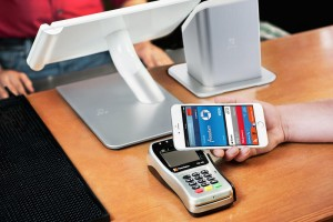 apple-pay-clover-1