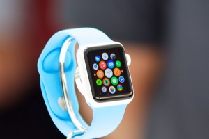 apple_watch_sport_blue_band_apps_display