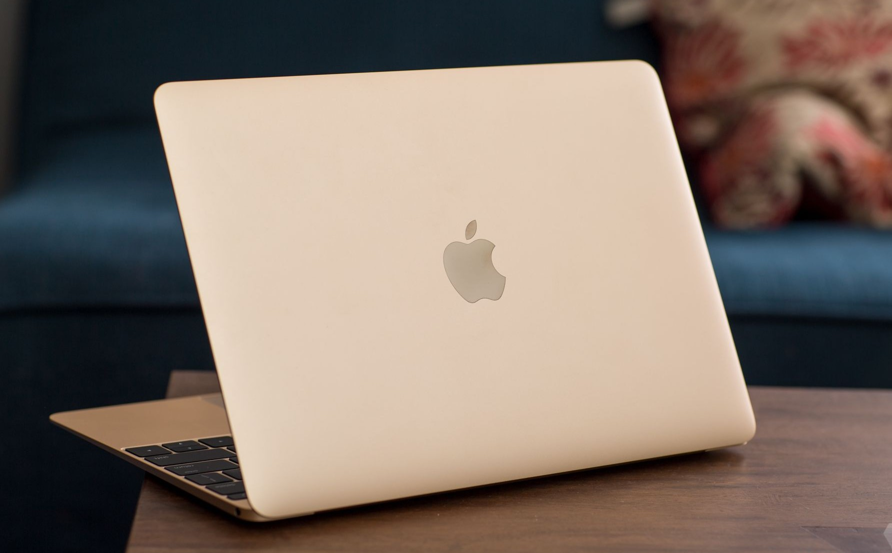 new-apple-macbook-2015-_-_22.0-e1428673357920