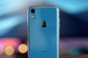 iPhone-XR-Clear-Case-Review-1