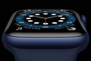 Apple_watch-series-6-Aluminum-blue-case-close-up_09152020_big.jpg.large