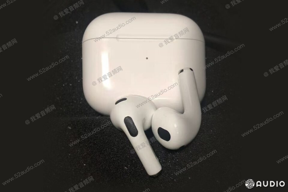 Third-Generation-AirPods-Leak-52audio-The-Apple-Post-960x640