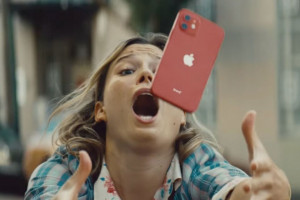 Apple-Fumble-iPhone-12-Ad-The-Apple-Post-960x640