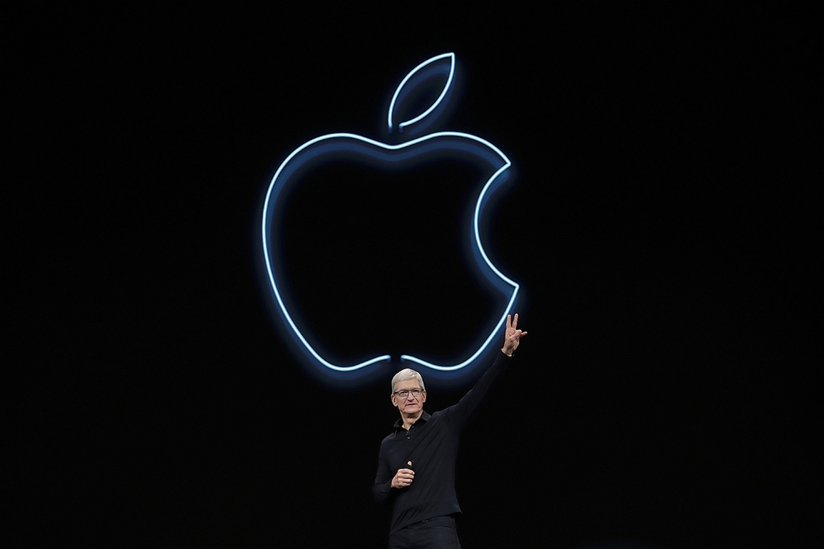Apple CEO Tim Cook waves after speaking at the Apple Worldwide Developers Conference in San Jose, Calif., Monday, June 3, 2019. (AP Photo/Jeff Chiu)