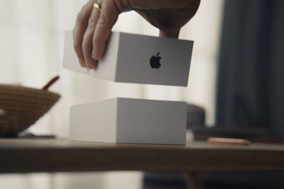 iPhone-SE-22The-Opening22-TV-Ad-The-Apple-Post-960x640